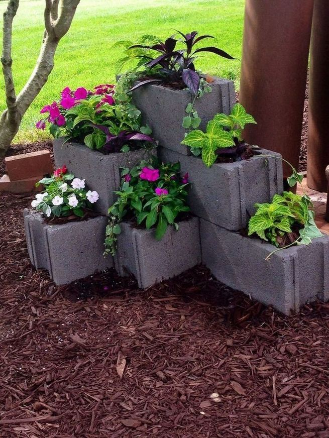 13 Creative Ways To Decorate Your Garden Home Using Cinder Blocks 34