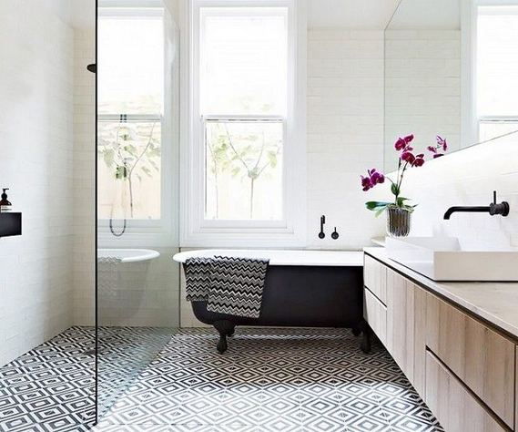 15 Awesome Black Floor Tiles Design Ideas For Modern Bathroom 09
