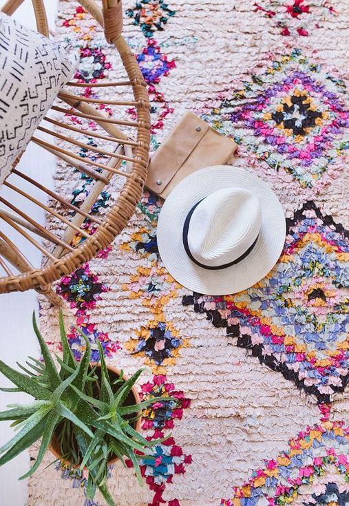 16 Awesome Colorful Moroccan Rugs Decor Ideas 22