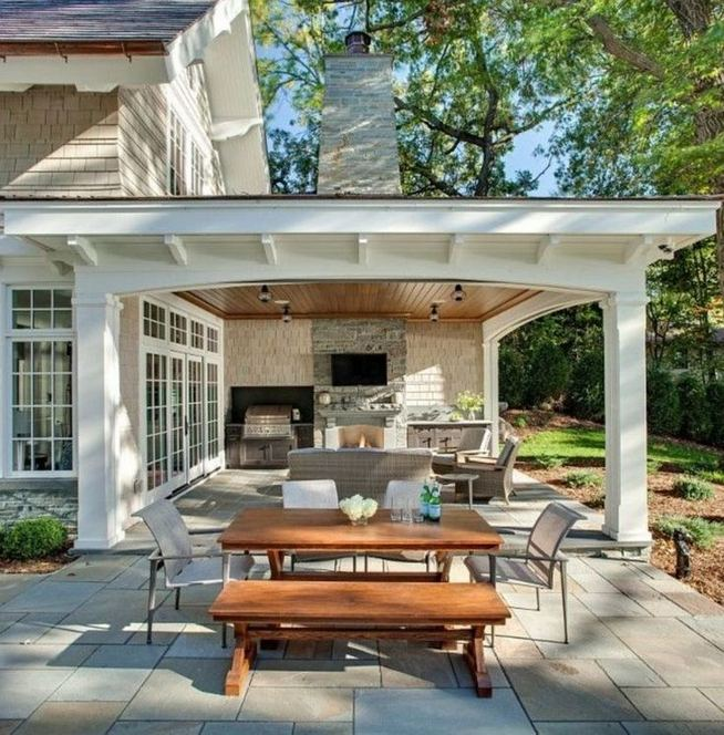 16 Best Alluring Farmhouse Front Porch Decoration Ideas 29
