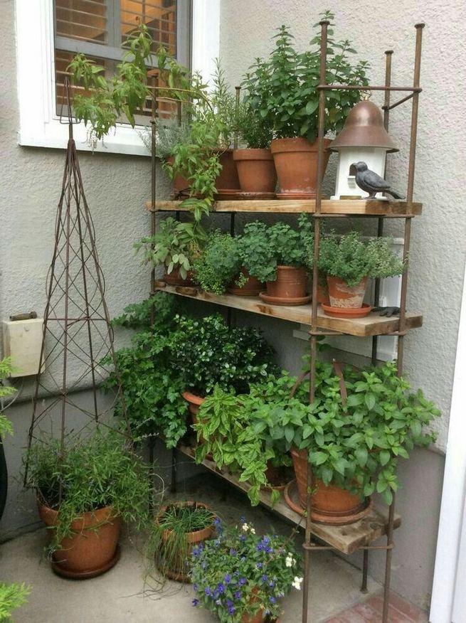 16 Creative DIY Tall Pots Planters Ideas For Modern Garden 11