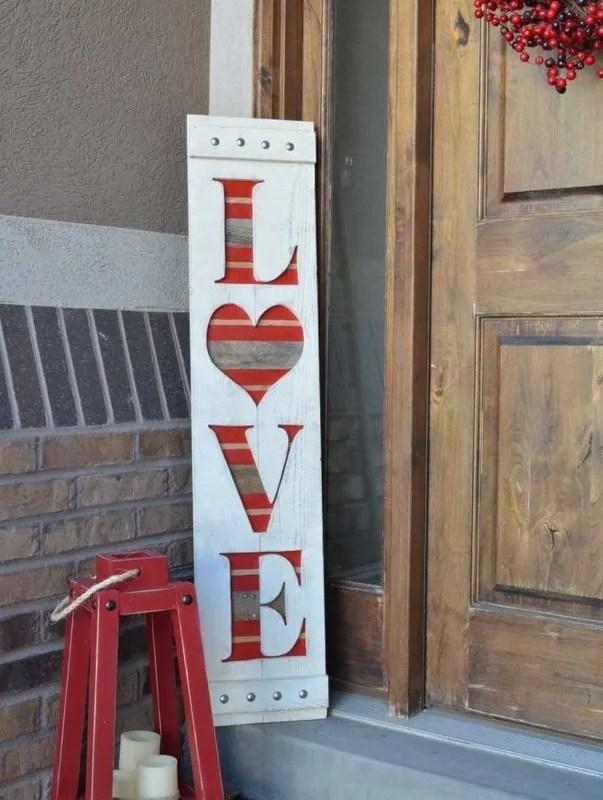 12 Adorable Valentines Outdoor Decorations Ideas 04
