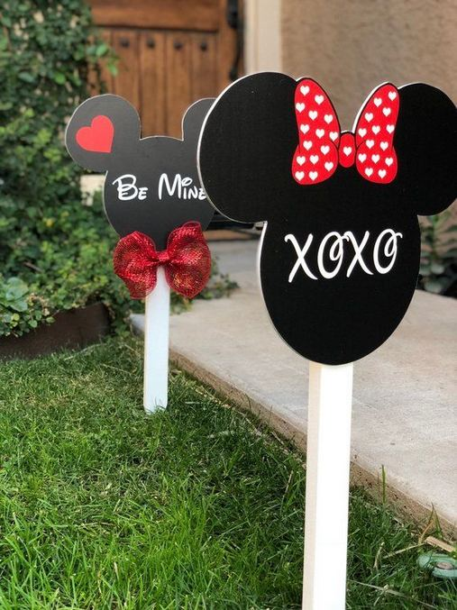 12 Adorable Valentines Outdoor Decorations Ideas 16