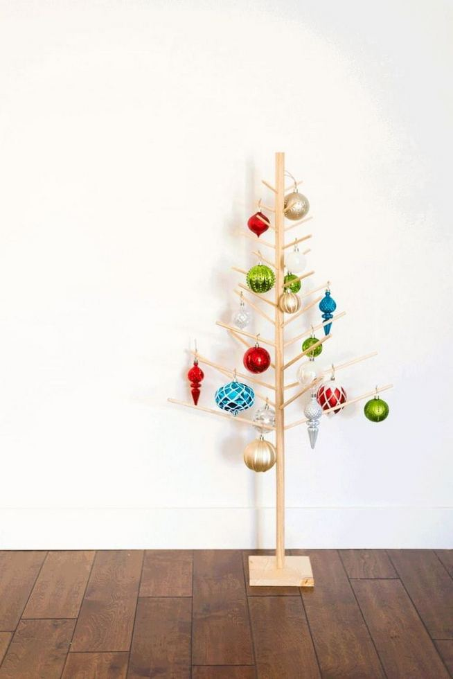12 Creative DIY Holiday Garland Decorating Ideas On A Budget 01