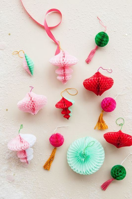 12 Creative DIY Holiday Garland Decorating Ideas On A Budget 23