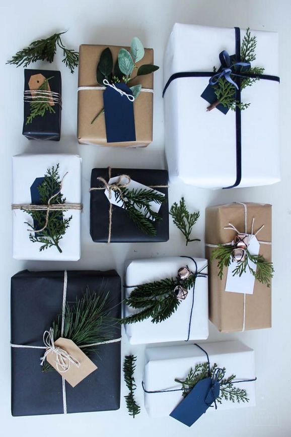 13 Stunning Black Christmas Decorations Ideas 37
