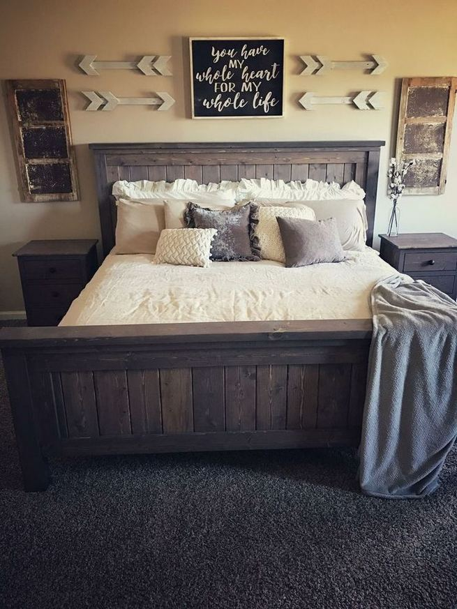 16 Comfy Farmhouse Bedroom Decor Ideas 06