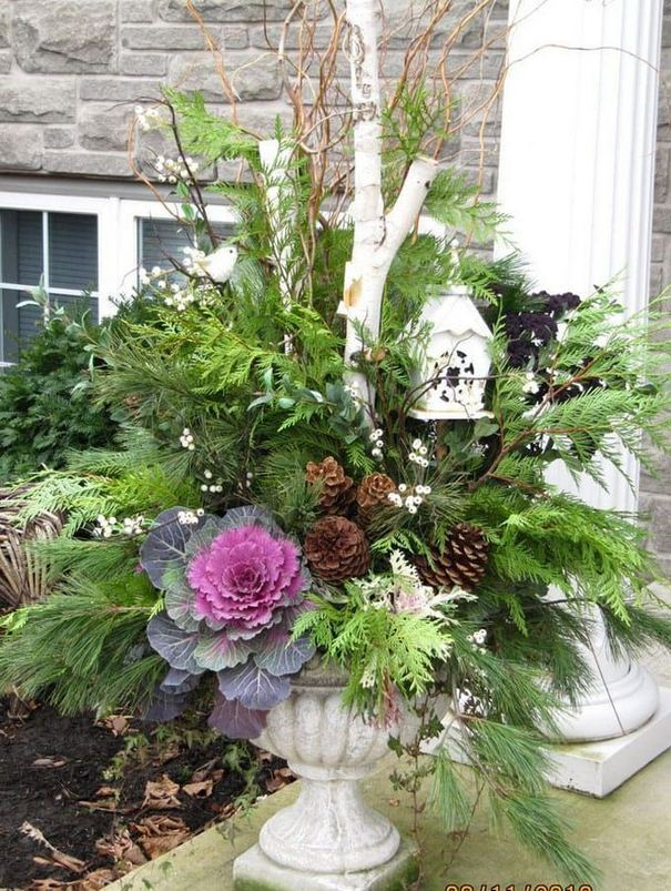 16 Splendid Outdoor Planter Ideas In The Winter Season 15
