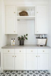 12 Beautiful Laundry Room Tile Pattern Design Ideas 30