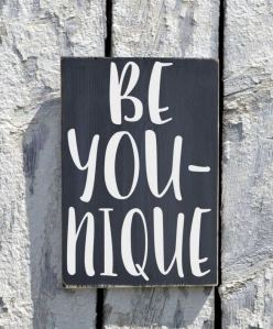 12 Incredibly DIY Wood Sign Ideas For Your Home Decoration 10
