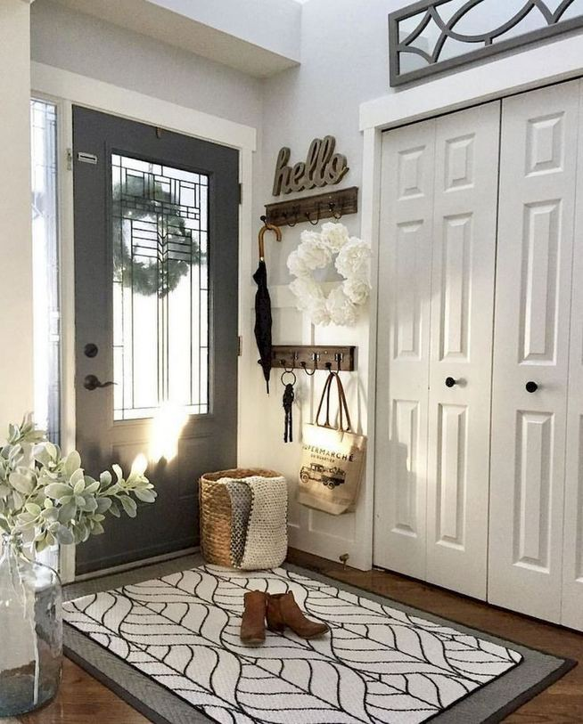 12 Stunning Rustic Small Mudroom Entryway Decor Ideas 10