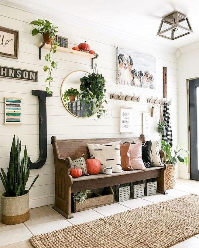 12 Stunning Rustic Small Mudroom Entryway Decor Ideas 14