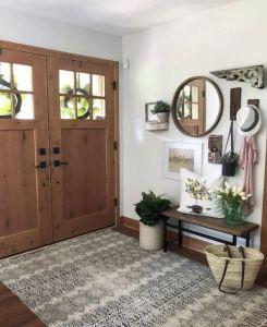 13 Amazing Farmhouse Entryway Decoration Ideas 22