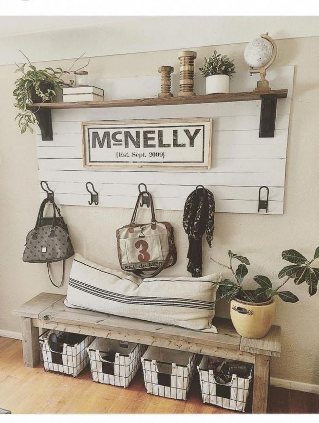 13 Amazing Farmhouse Entryway Decoration Ideas 23