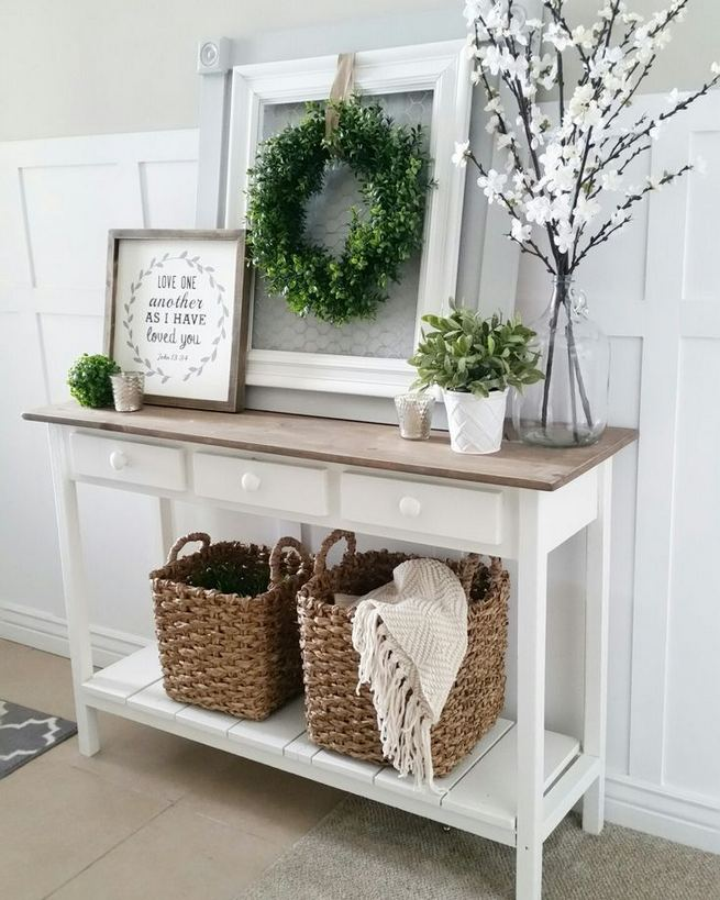 13 Amazing Farmhouse Entryway Decoration Ideas 27