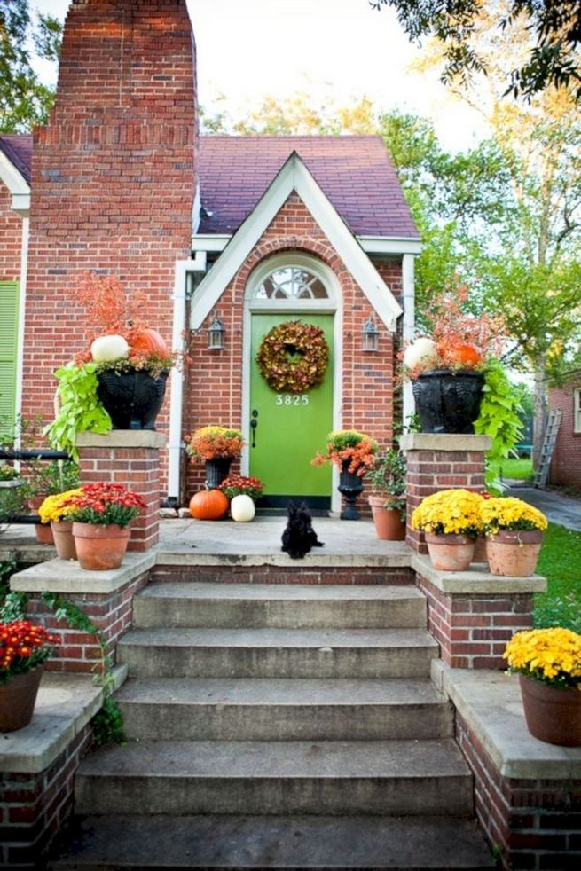 13 Fantastic Yellow Brick Home Decor Ideas For Front Door 15