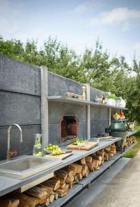 13 Totally Inspiring Outdoor Kitchens Design Ideas 09