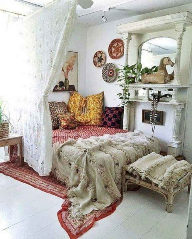 14 Brilliant Bohemian Bedroom Design Ideas 10