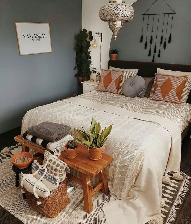 14 Brilliant Bohemian Bedroom Design Ideas 26
