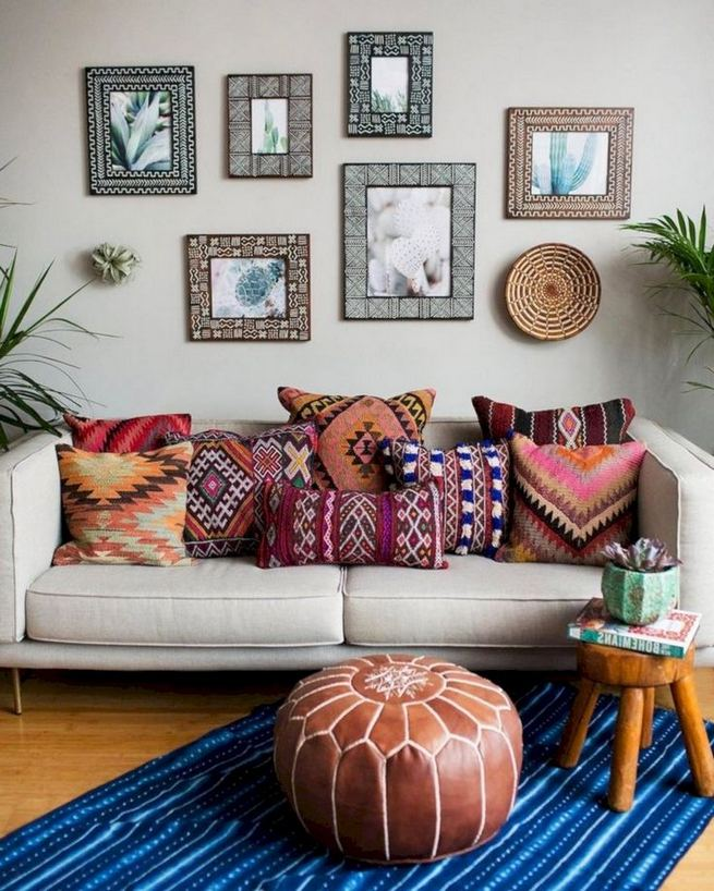 14 Cozy Bohemian Living Room Decoration Ideas 19