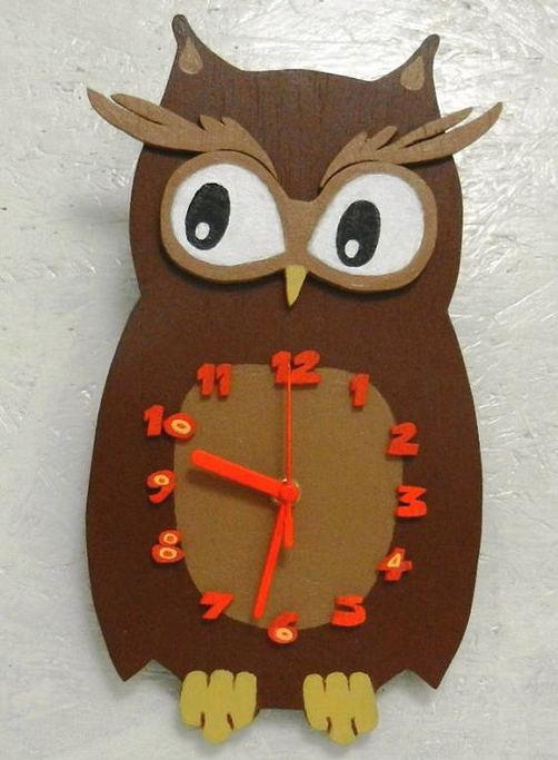 16 Cute Creative DIY Wall Clock Ideas For Kids Room 11