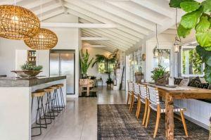 17 Modern And Futuristic Interior Designs To Inspire You 13