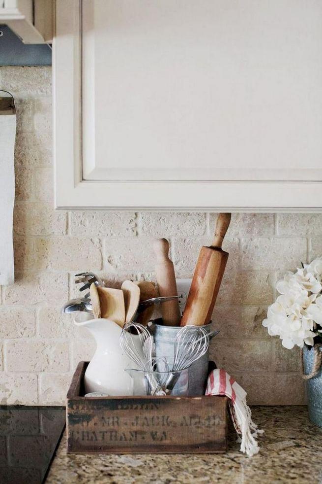 14 Affordable DIY Farmhouse Home Decor Ideas On A Budget 21