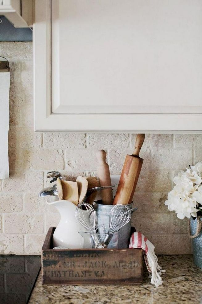 14 Affordable DIY Farmhouse Home Decor Ideas On A Budget 21