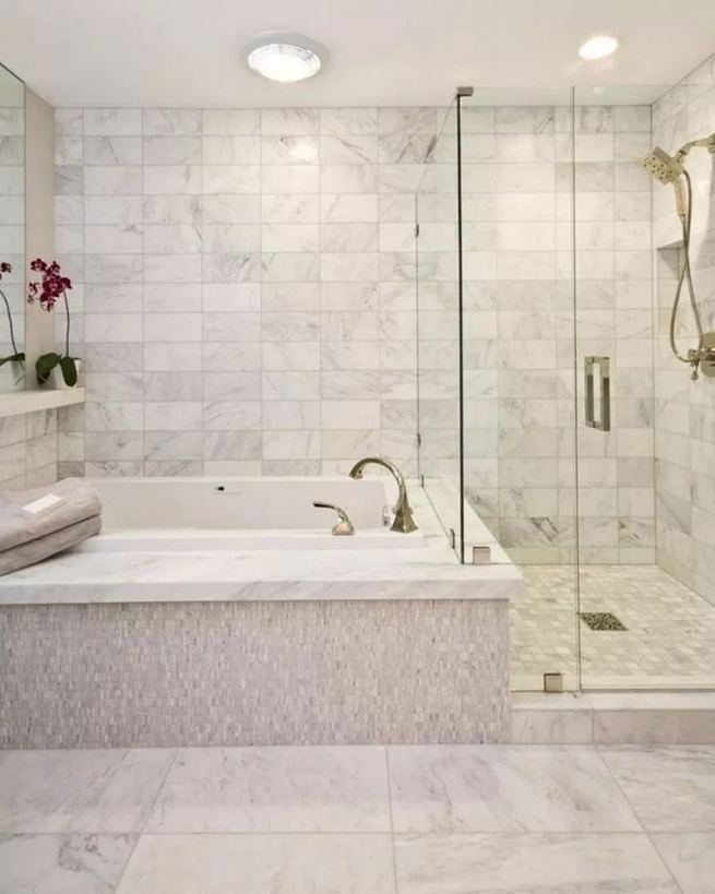 14 Beautiful Master Bathroom Remodel Ideas 33