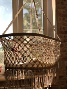 18 Adorable Hanging Chairs Ideas For Indoors And Outdoors 03