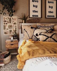 19 Creative DIY Bohemian Bedroom Decor Ideas 29