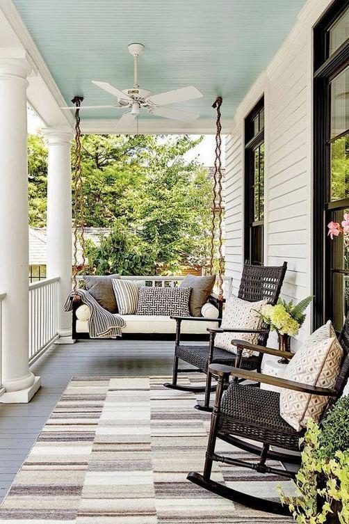 21 Stunning Farmhouse Front Porch Decor Ideas 12