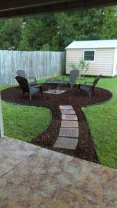 15 Awesome Winter Patio Decorating Ideas With Fire Pit – Making Your Patio Warm And Cozy 13