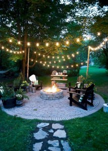 15 Awesome Winter Patio Decorating Ideas With Fire Pit – Making Your Patio Warm And Cozy 20
