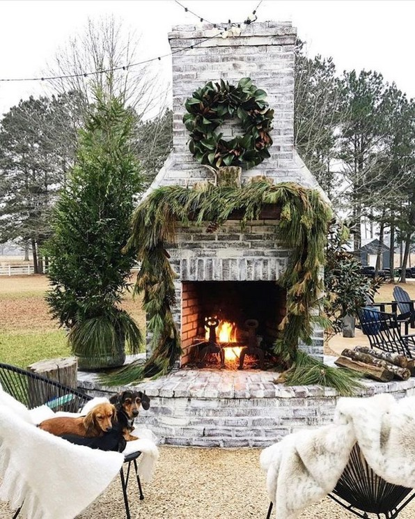 16 Awesome Winter Patio Decorating Ideas With Fire Pit 16