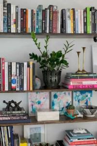 17 Bookshelf Organization Ideas – How To Organize Your Bookshelf 02
