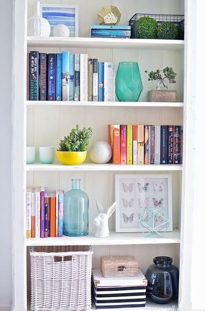 17 Bookshelf Organization Ideas – How To Organize Your Bookshelf 14