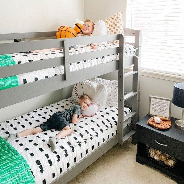 17 Most Popular Floating Bunk Beds Design 16