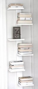 18 Bookshelf Organization Ideas 10