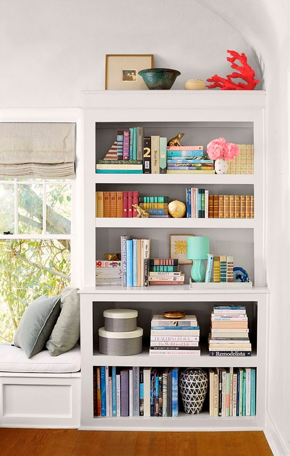18 Bookshelf Organization Ideas 14