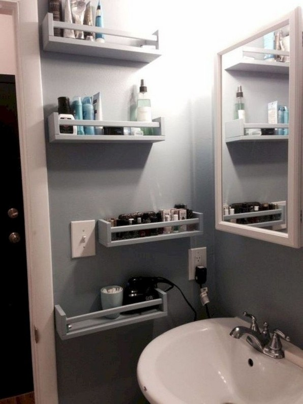 19 Small Bathroom Storage Decoration Ideas 16