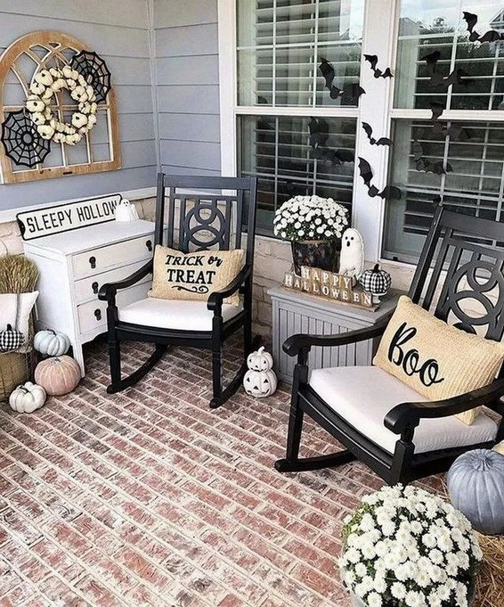 16 Beautiful Farmhouse Front Porches Decorating Ideas 12