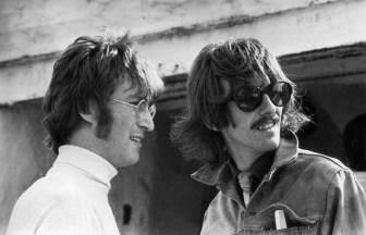 George HarrisonとJohn Lennon