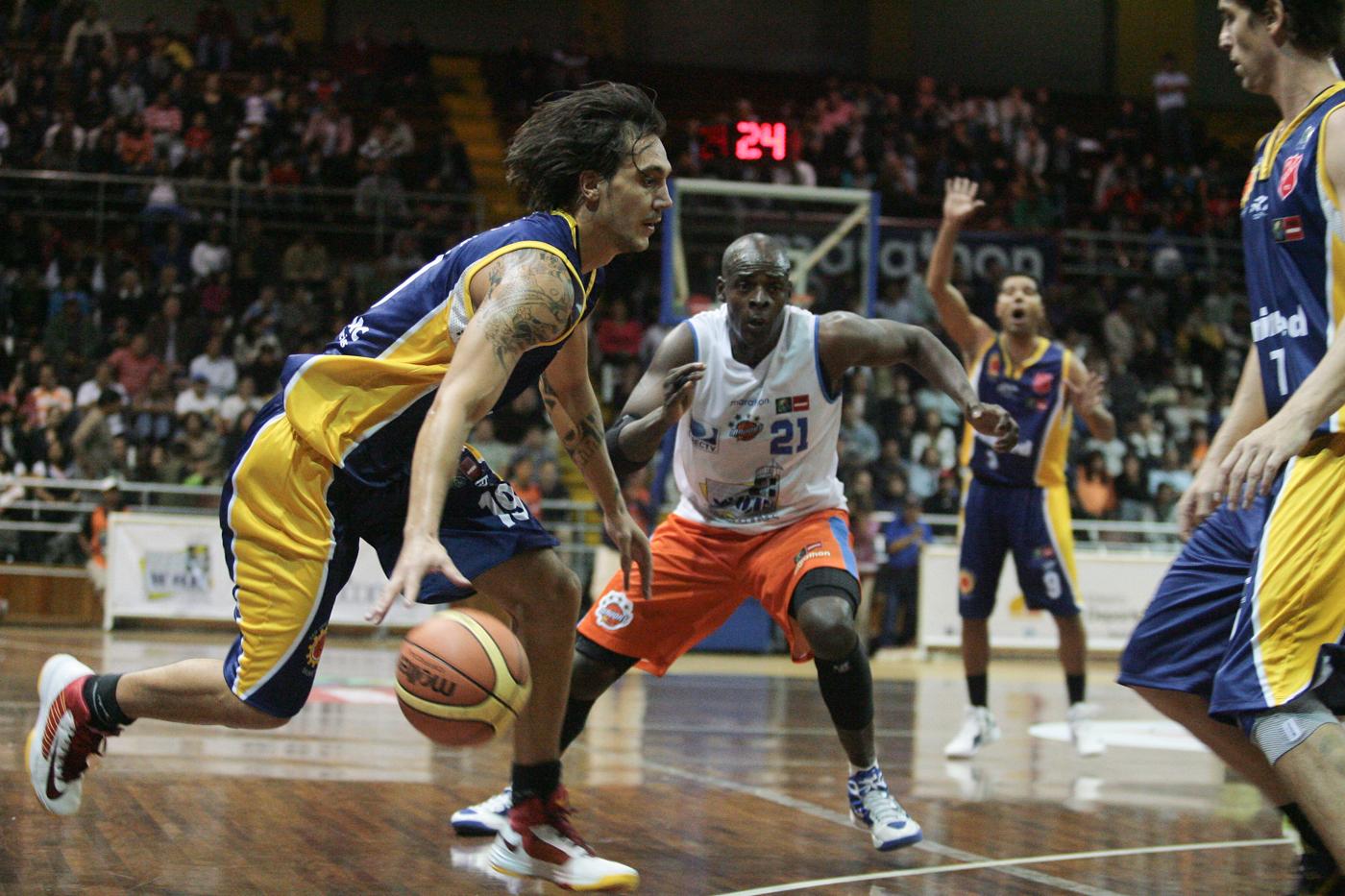 Álvaro Calvo, en la Liga de las Américas 2013 (Foto: FIBA)