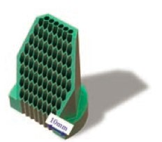 超音波振動切削による金属の加工。 この方法を使うと、こんなに小さな ハチの巣状の穴を開けることもできる。