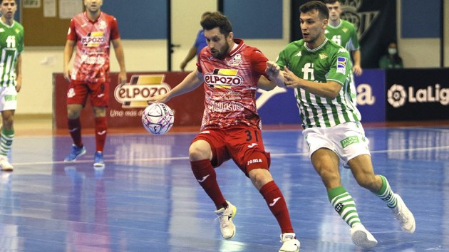 Reparto de puntos entre Real Betis Futsal y ElPozo Murcia Costa Cálida en un trepidante partido (4-4)  LNFS
