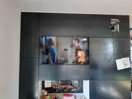 Il mobile del soggiorno con il TV incassato a filo