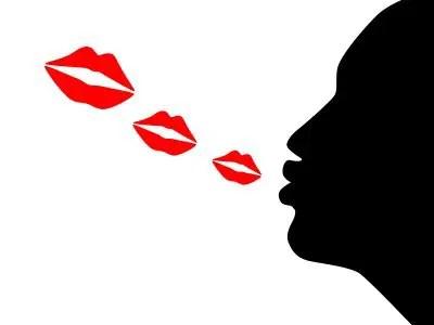 Resultado de imagen de frases de besos