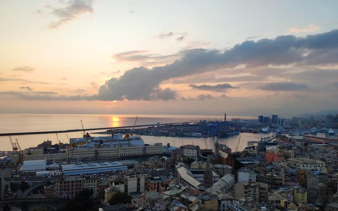 Sul tetto della Superba, con vista mozzafiato su mare e città. Alcune foto del n…