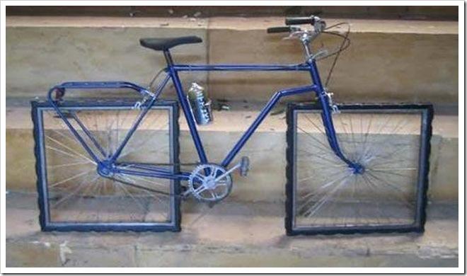 Pedalare con una bici dalle ruote quadrate